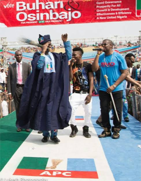 Don Jazzy campaigning for President Muhammadu Buhari
