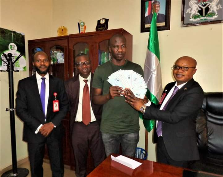 EFCC gives Onitsha businessman N67.5 million recovered from fraudsters