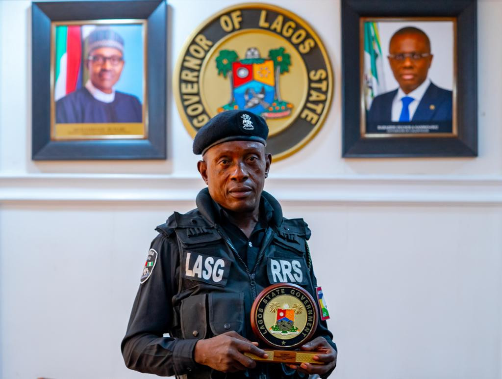 Sunday Erhabor honoured by Lagos state governor