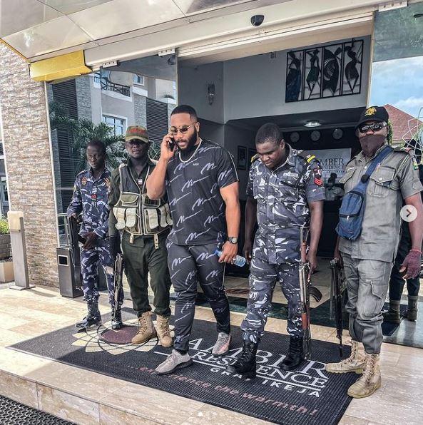 Kiddwaya shows off police escort