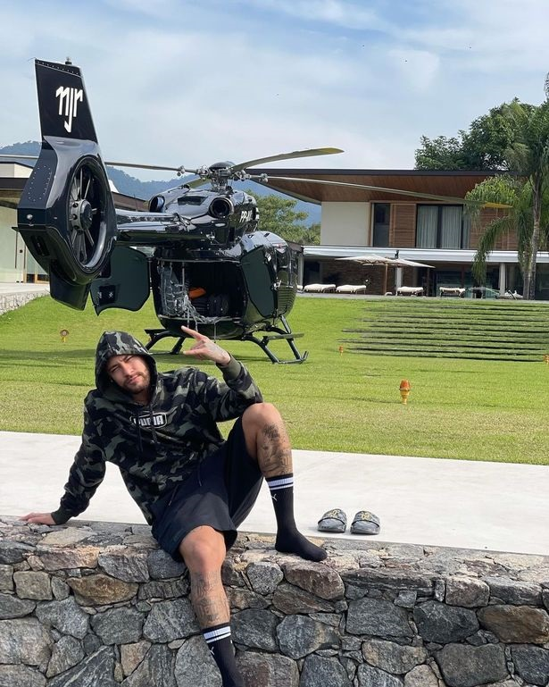 Neymar shows off his expensive helicopter
