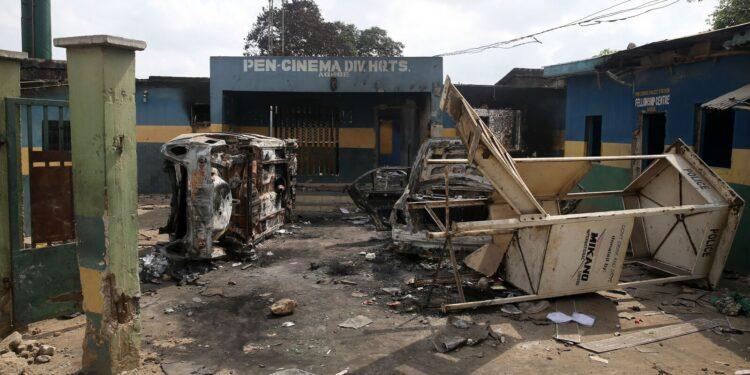 Police station razed in Abia