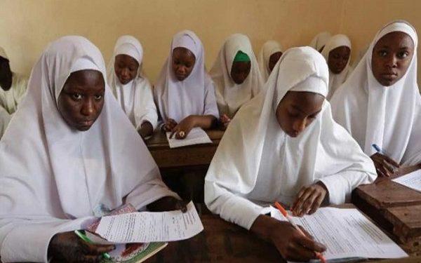Students on hijab