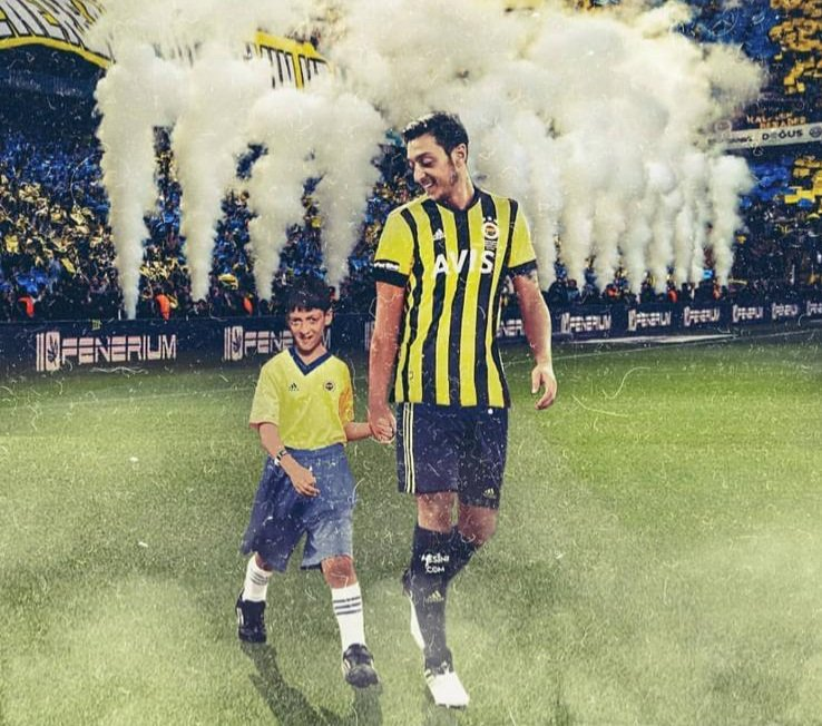 Ozil signs for Fenerbahce