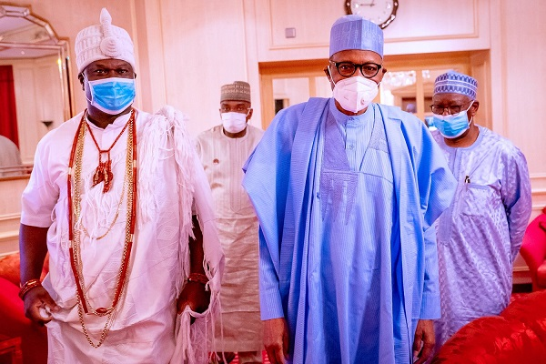 Ooni and Buhari posing in Abuja
