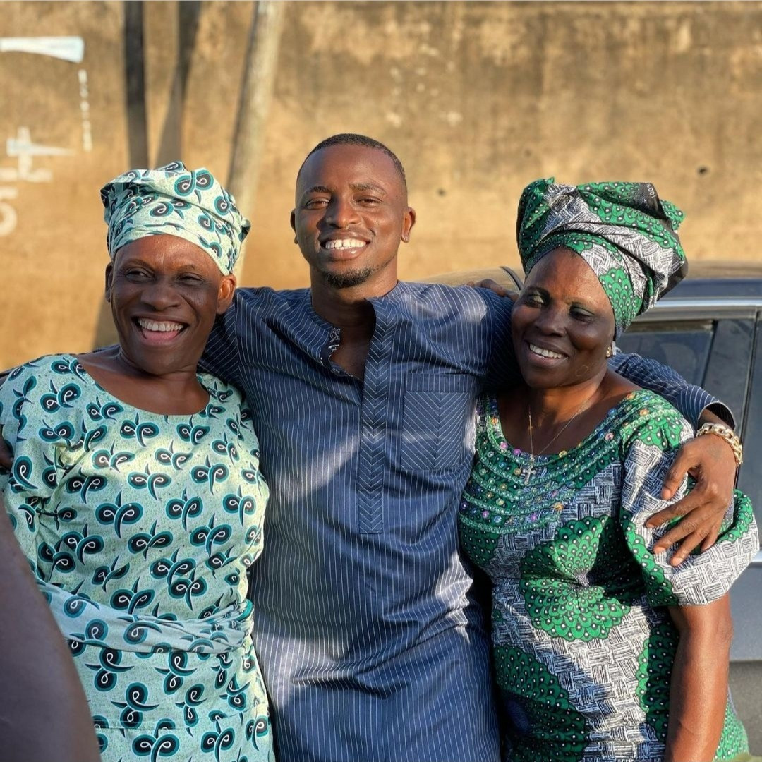 Aloma show off her two mothers