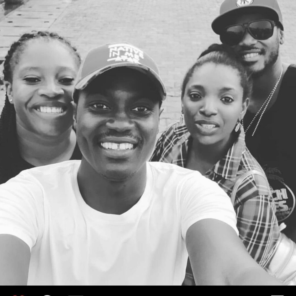 2baba and Sultan having a good timw with their wives
