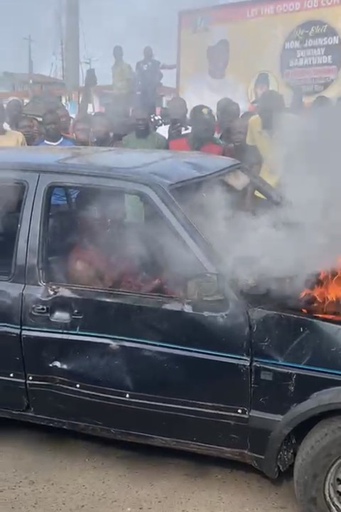 Kidnappers set ablaze in Orile