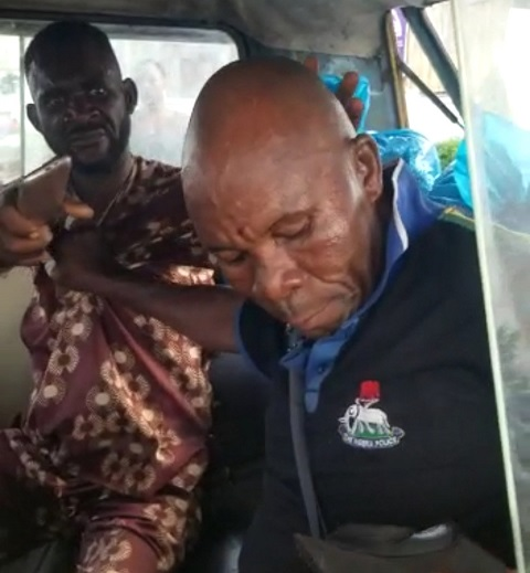 Police officer and bus conductor fight in Lagos