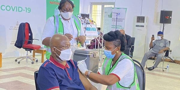 Members of the Presidential Taskforce on COVID-19  receiving coronavirus vaccine