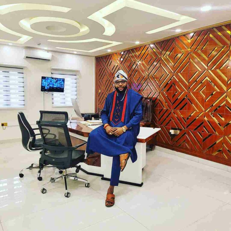 E-money shows off his office apartment