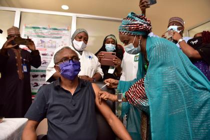 Nasir takes vaccine