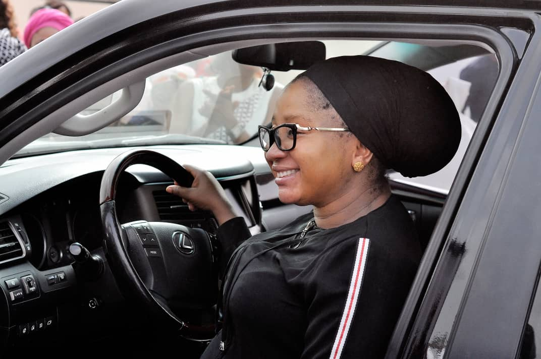 Prophetess Ihezuo receives brand new car from philanthropist