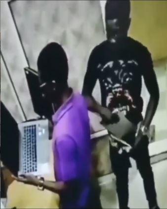 Man caught stealing laptop