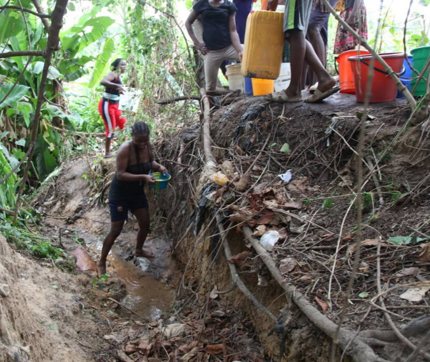 Water Scarcity in some Abuja Communities As Residents Resort To Streams