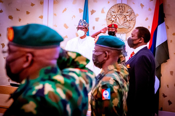 President Buhari and his service chiefs