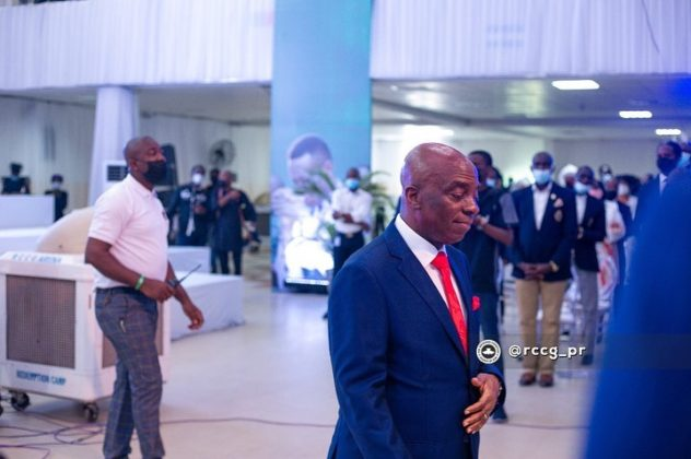 Oyedepo at the burial ceremony of Dare Adeboye