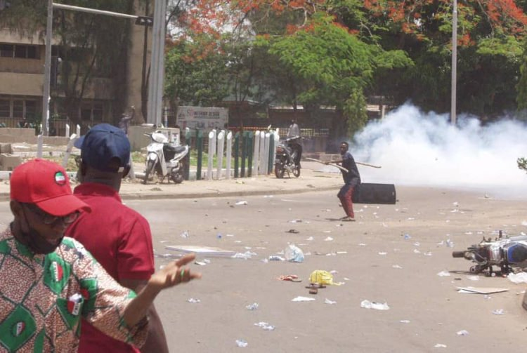Thugs attack protesters in Kaduna