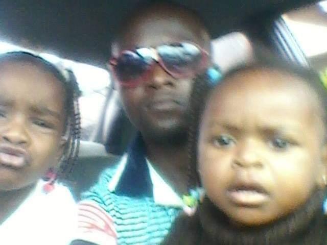 Obilonu and his family members