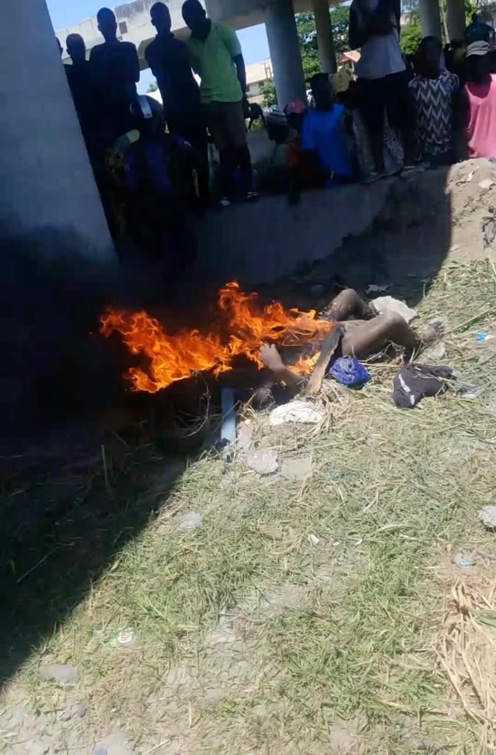 Mad woman burnt alive in Lagos