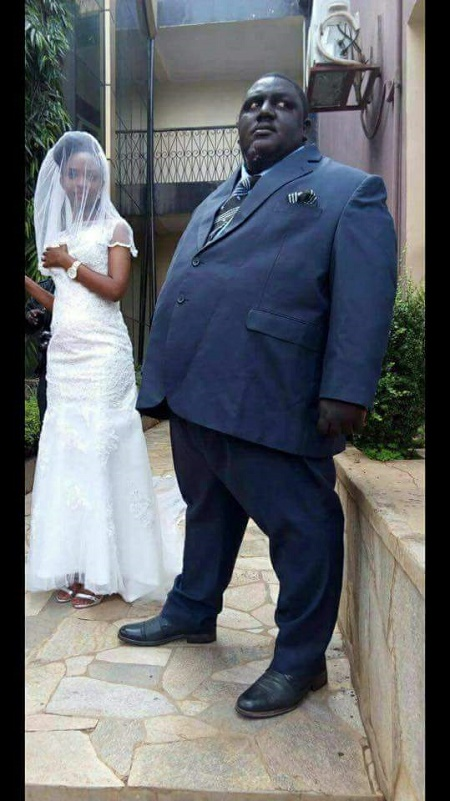 Couple S Wedding Photos Causes Serious Commotion Online As Chubby