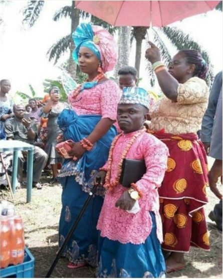 SHOCKING: Dwarf Marries Tall Bride In Delta State